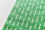 手刷りの生地「小枝」グリーン /50cmにつき