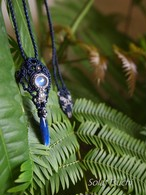 穴あきカイヤナイトとレインボームーンストーンのマクラメ編み連結ペンダント