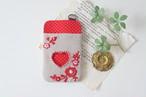【バレンタインギフト】刺繍のパスケース・ベージュ×赤