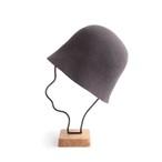 mature ha./free hat back stitch dark grey