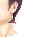 飛騨春慶のピアス 紅×黒/◯[E249]
