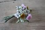 ゲンノショウコと野薊の布花ブローチ