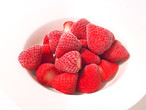 冷凍いちご(品種おまかせ)1kg  お菓子、ジャム作りに最適!