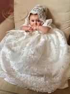 純白 ベビー服 ドレス 女の子 新生児 ワンピース 赤ちゃん レース リボン ハット付き セレモニー フォーマル 結婚式 お宮参り 退院着 3M