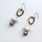 ソロバン型ガラスビーズとパールのピアス -soft pink-