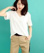 【『オトナミューズ』5月号 × BEATRICE 】E82232:胸ポケットデザインVネックコットンカットソー
