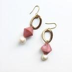 ソロバン型ガラスビーズとパールのピアス-smocky pink-