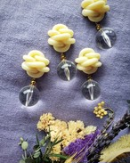 knit motif(ivory) × gold × big clear beads