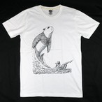 巨大な鯨になったパンダ?「白鯨パンダ」Tシャツ