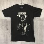 【送料無料 / ロック バンド Tシャツ】 RAMONES / Live Type B Men's T-shirts M ラモーンズ / ライブ タイプB メンズ Tシャツ M