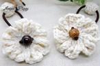 手編み お花のヘアゴム(オフホワイト)