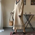 【dress】ニットワンピースVネック配色ゆったり感ロング丈マキシワンピース¥