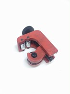 Pipe Cutter Red