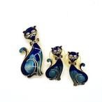 ネコのブローチとピアスのセット(青)