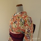 正絹ちりめん 白地に季節の花や流水の小紋 袷の着物