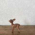 木彫りの小鹿