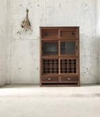 レトロな引戸の収納棚[古家具]