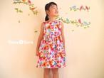 女の子の子供服。華やか花柄ギャザーワンピース
