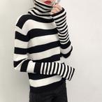 ロングネックで長めの袖☆ストライプ×ストライプニットセーター