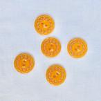 穴あきオレンジボタン