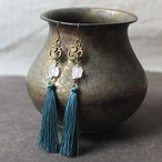ピアス -rose quartz × deep blue tassel-