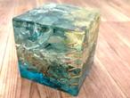 ビッグキューブ型オルゴナイト アパタイト&フローライト プリザーブドフラワー入り