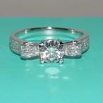 モアサナイト ダイヤモンド 0.8カラット 18k オーダーリング 婚約指輪