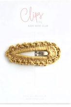 BABY BOW CLUB Crochet Clip // Ochre