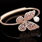 【小物】蝶透かし彫り高級感キラキラ調節可能ブレスレット 23059508