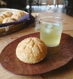 marufujiの豆乳メロンパン