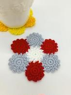 小さなお花のモチーフ編みコースターかぎ針編みキット(毛糸:赤&グレー)