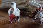 コマユミ×サンショウ -winter gift-(ウイスキー型) [里山ハーバリウム]
