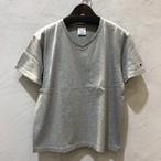 champion/ VネックTシャツ