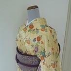 正絹綸子 クリーム色に菊や梅の小紋 袷の着物