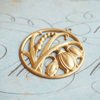 ヴィンテージ 真鍮製、ビッグすずらんチャーム(1コ)