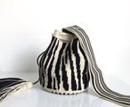 ワユーバッグ(Wayuu bag) Luxe line Mサイズ Zebra