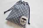 ポンっと入れてバッグの中をすっきりお片付けシンプルが使いやすい・巾着袋 チェック バンダナ コーヒー
