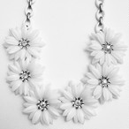 """Coro"" white flower necklace[n-208]"