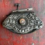 チベットの銀細工革財布