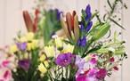 お供え花、墓花セット「安らかな祈りのお花」 お盆、お彼岸、お彼岸、命日、法事など個人への想いをお花で届けます。
