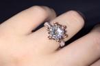 モアサナイト 3カラット ダイヤモンド200粒 フラワー リング 婚約指輪