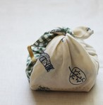 【限定販売】 ひとりで包めるようになる お弁当包み 刺繍入 緑のチェックと動物