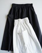 【atelier naruse】 コットンパッチポケットスカート