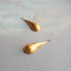 ヴィンテージ 真鍮のシンプルなしずく型チャーム(2コ)