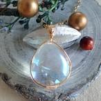 【クリスタルと魂の目覚め】『自分を知る鏡・あらわす』〈女神巻き®〉オーロラ水晶のペンダントトップ