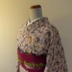 正絹紬 桜色に蝶の小紋 袷の着物