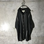 [used] four white lined half shirt
