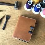※A5サイズ変更・フラップ付き・名入れ(焼印) 組み合わせ自由 イタリアンレザーブッテーロのリボン付き手帳カバー 手縫い