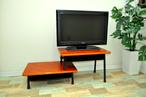 学校机を伸縮自在のテレビボードに。