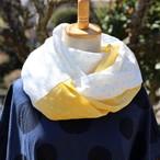 Wガーゼのふわふわスヌード 白にグリーンドット・ブルードット・黄色ドット